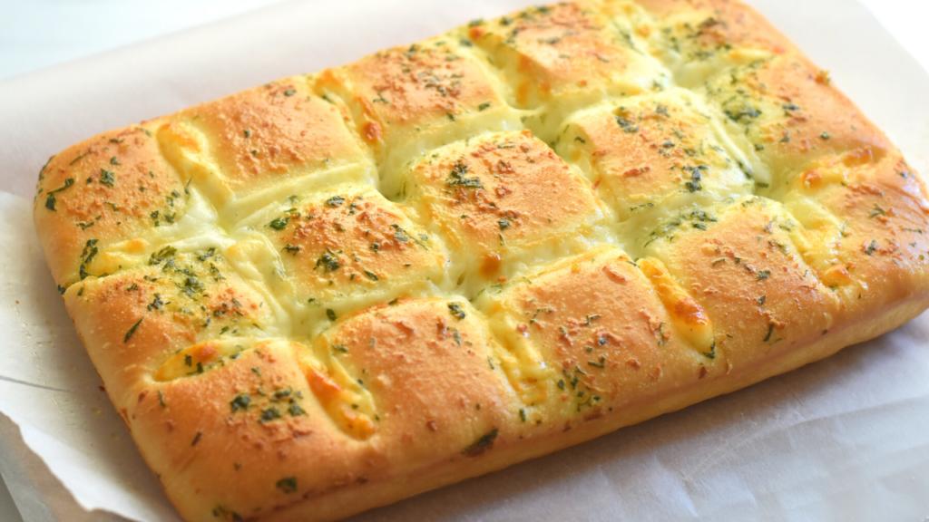 cheesy garlic bread from scratch
