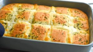 Easy Cheesy Garlic Bread Recipe from scratch!
